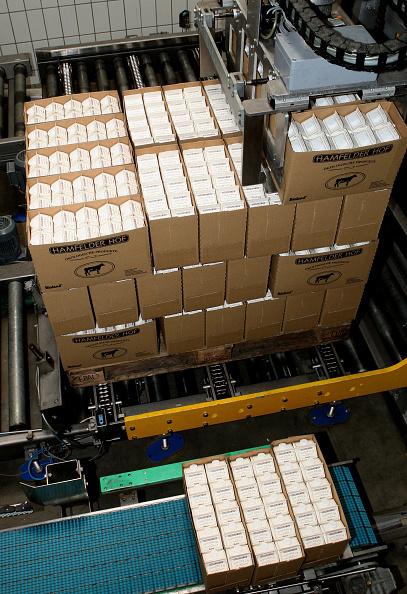 Industry「Milk Production At Dairy-Farm Trittau」:写真・画像(9)[壁紙.com]
