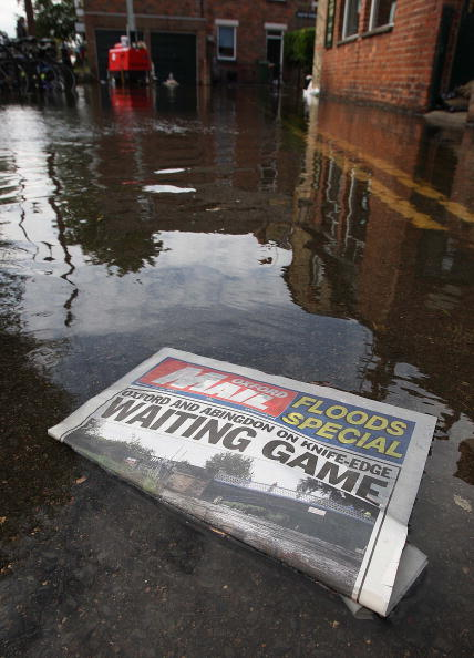 Community「Lower Thames Threatened As Flood Waters Head Downstream」:写真・画像(5)[壁紙.com]