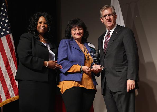 Victor Roslin「Redbook & BPW Women Veterans Career Development Forum」:写真・画像(7)[壁紙.com]