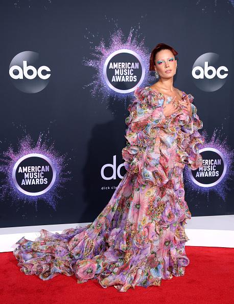2019 American Music Awards「2019 American Music Awards - Arrivals」:写真・画像(4)[壁紙.com]