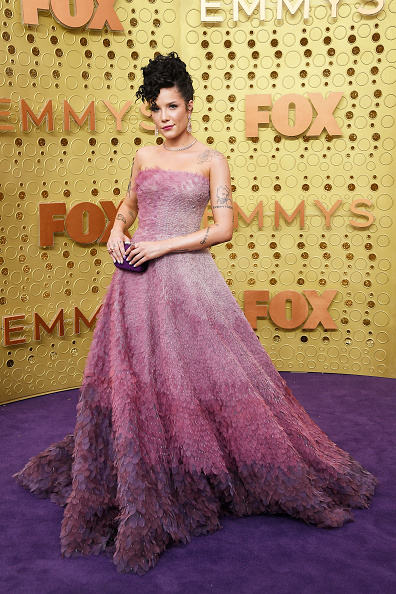 Scalloped - Pattern「71st Emmy Awards - Arrivals」:写真・画像(18)[壁紙.com]