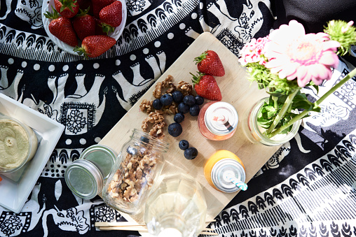 Picnic「Healthy picnic in a park in summer」:スマホ壁紙(6)