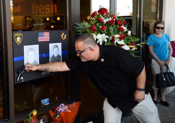 Magnet「Five Dead, Including 2 Police Officers In Las Vegas Shooting」:写真・画像(13)[壁紙.com]