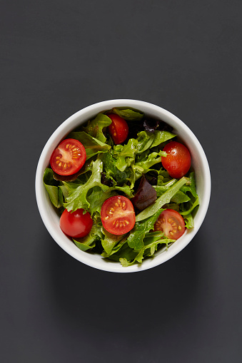 Arugula「Fresh green salad with cherry tomatoes」:スマホ壁紙(11)