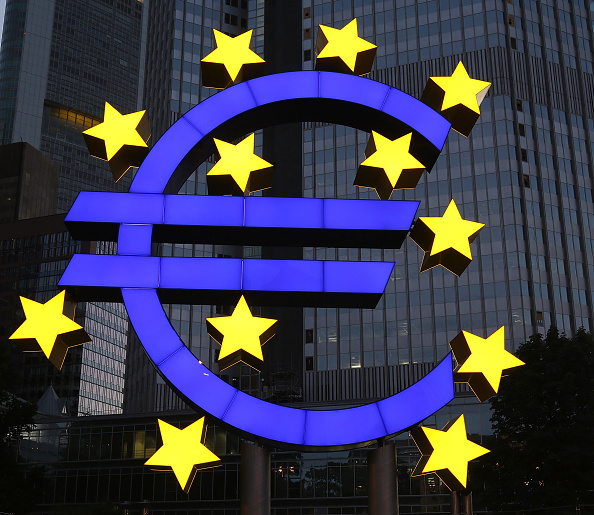 European Union「Euro Sculpture In Frankfurt Undergoes Restoration」:写真・画像(7)[壁紙.com]