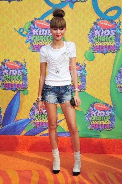 Denim Shorts「Nickelodeon's 27th Annual Kids' Choice Awards - Arrivals」:写真・画像(19)[壁紙.com]