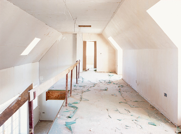 Renovation「Roof conversion. Mezzanine floor area with plasterboard finish awaiting second fix.」:写真・画像(12)[壁紙.com]