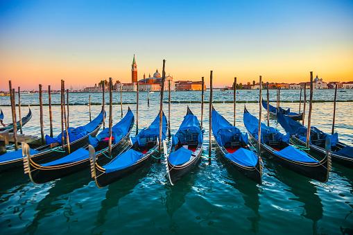 Gondola「Gondolas in San Marco Canal」:スマホ壁紙(16)