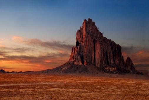 Volcanic Landscape「Shiprock at Sunset」:スマホ壁紙(2)