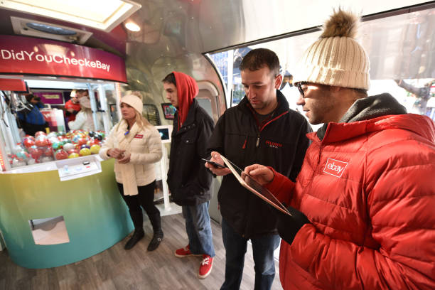 The 'Did You Check eBay?' Holiday Airstream Visits Denver's Christkindl Market With Top Gifts And Great Deals:ニュース(壁紙.com)