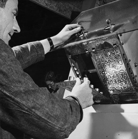 Soldered「Printed Circuit Board」:写真・画像(5)[壁紙.com]