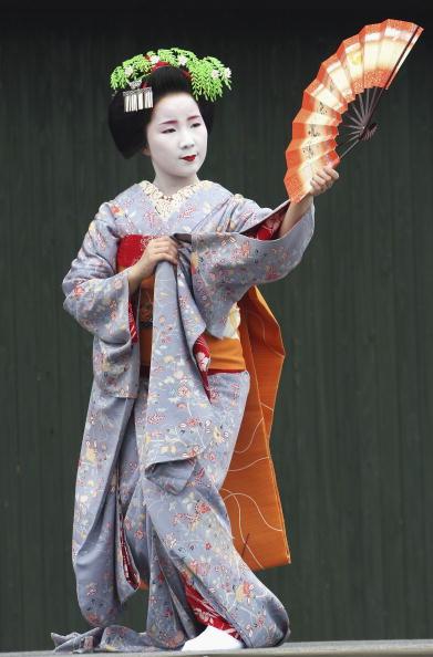 舞妓「Maiko Geisha Visit The World Expo in Japan」:写真・画像(3)[壁紙.com]
