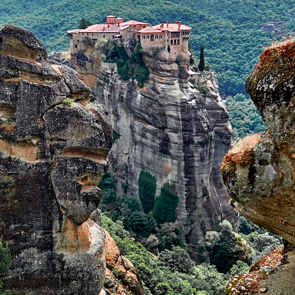 Square「The Varlaam monastery in the Meteora site」:スマホ壁紙(17)