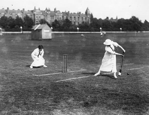 Females「Female Cricketers」:写真・画像(8)[壁紙.com]