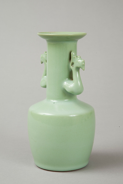 Vase「Celadon mallet vase with phoenix's head handles, 20th century. Artist: Suwa Sozan.」:写真・画像(9)[壁紙.com]