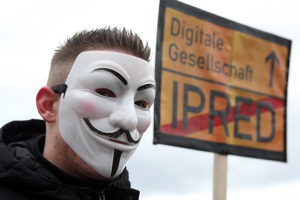 Adam Berry「Activists Protest ACTA Proposal」:写真・画像(11)[壁紙.com]