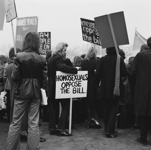 Homosexual「Homosexuals oppose the bill」:写真・画像(10)[壁紙.com]