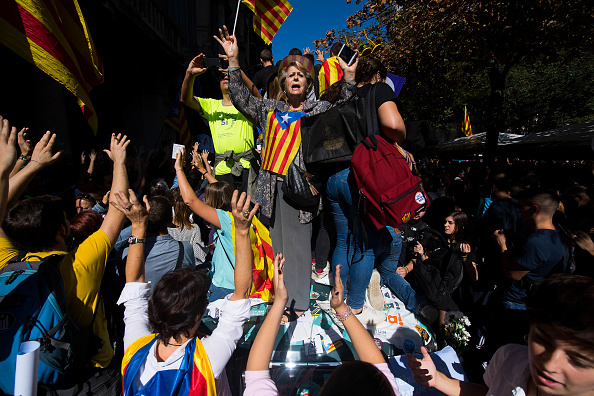 人物「Spanish Police Storm Catalan Government Buildings」:写真・画像(15)[壁紙.com]
