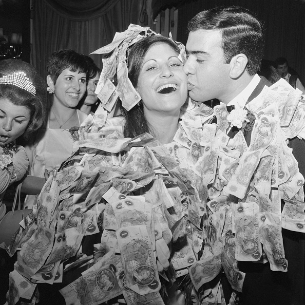 Greek Culture「Marrying For Money」:写真・画像(3)[壁紙.com]