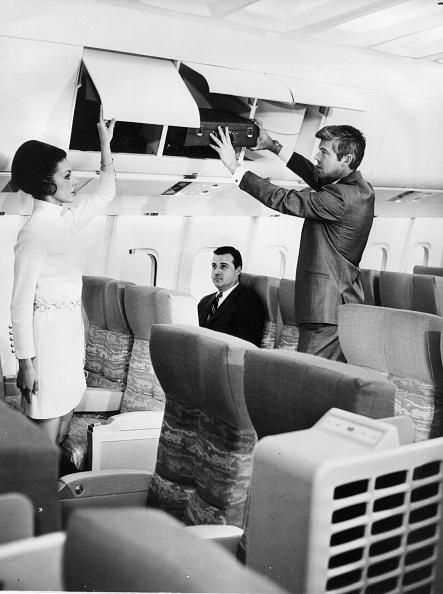 Storage Compartment「Jetliner Cabins」:写真・画像(10)[壁紙.com]