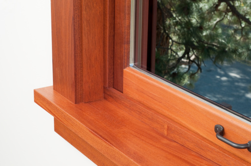 Window Frame「Corner of a window sill with a brown wooden frame」:スマホ壁紙(7)