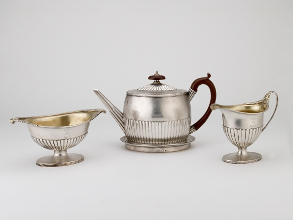 Teapot「Teapot And Stand And Jug」:写真・画像(4)[壁紙.com]