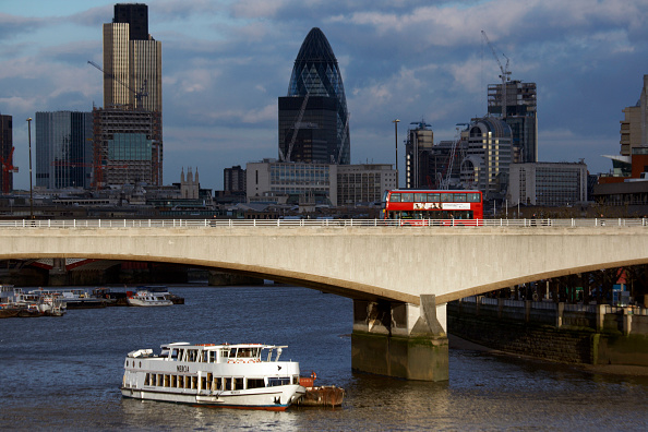 Waterloo Railway Station - London「Waterloo Bridge and City of London, UK」:写真・画像(11)[壁紙.com]