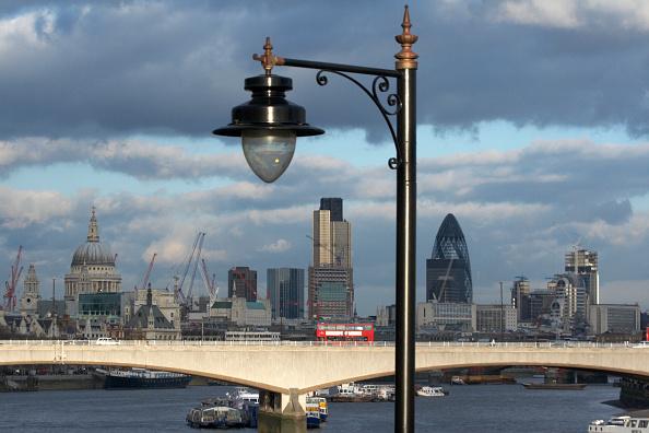 Urban Skyline「Waterloo Bridge and City of London, UK」:写真・画像(6)[壁紙.com]