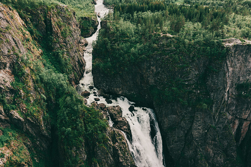 Norway「Waterfall in mountains」:スマホ壁紙(14)