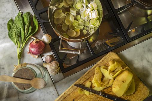 """Preparing Food「Preparing """"Vellutata di Porri"""", Cream of Leek soup」:スマホ壁紙(10)"""