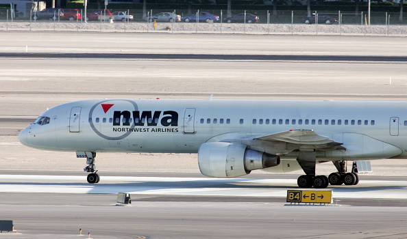 Construction Material「Northwest Airlines Stock Plunges Amid Reports Of Possible Bankruptcy」:写真・画像(2)[壁紙.com]