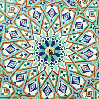 Tribal Art「Colorful tiles on fountain of Mosque Hassan ll, Casablanca, Morocco」:スマホ壁紙(2)