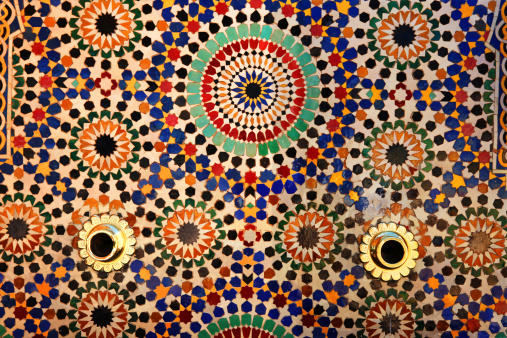 Arabic Style「Colorful tiles on fountain, Mausoleum of Mohammed V , Rabat, Morocco.」:スマホ壁紙(1)