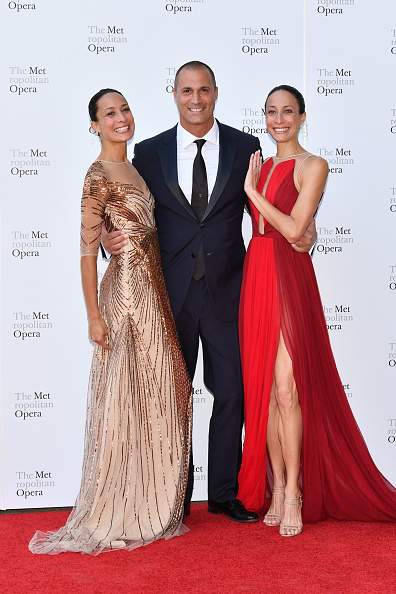 Vertical「2017 Metropolitan Opera Opening Night」:写真・画像(14)[壁紙.com]