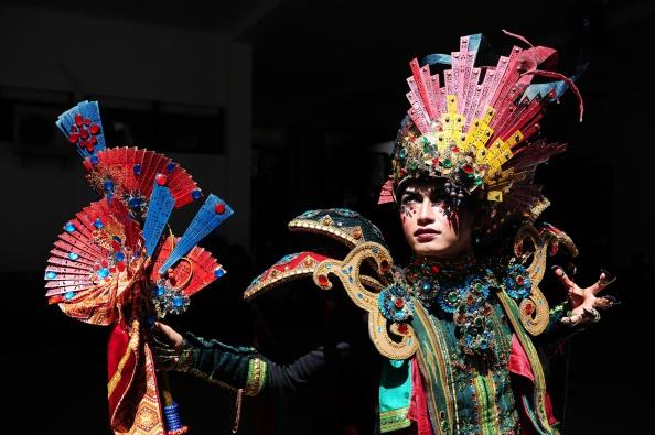 Robertus Pudyanto「Revellers Gather For The 13th Jember Fashion Carnival 2014」:写真・画像(8)[壁紙.com]