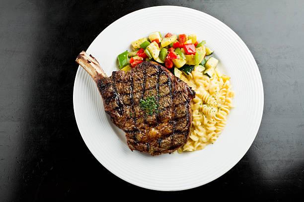 Rib Eye Steak with Macaroni and Cheese:スマホ壁紙(壁紙.com)