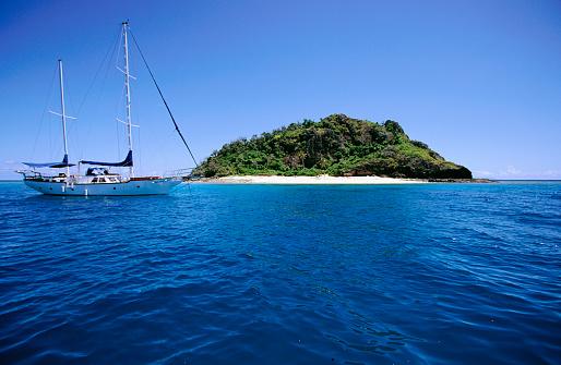 Mamanuca Islands「Sailboat near Mamanuca Group Island」:スマホ壁紙(9)