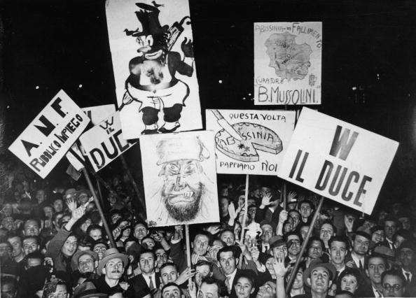Lombardy「Fascist demonstration in honour of Mussolini, Milan, Photograph, Around 1930」:写真・画像(19)[壁紙.com]