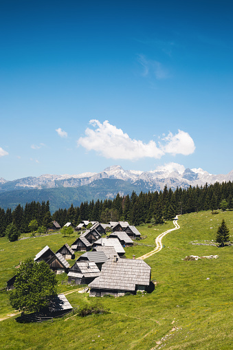 Chalet「Secluded Mountain Village In Slovenia」:スマホ壁紙(10)