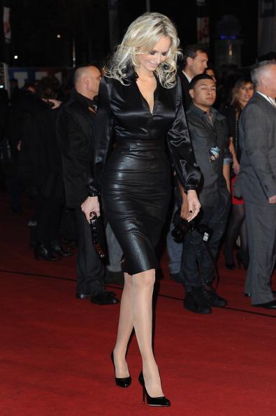 アドリアナ カランブー「NRJ Music Awards 2012 - Red Carpet Arrivals」:写真・画像(11)[壁紙.com]