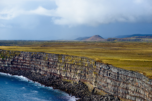 Basalt「Krysuvikurberg Cliffs, Iceland」:スマホ壁紙(19)