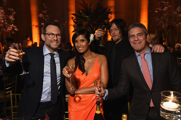 Making Money「7th Annual Blossom Ball Benefiting The Endometriosis Foundation Of America Hosted By EFA Founders Padma Lakshmi And Tamer Seckin, MD - Inside」:写真・画像(15)[壁紙.com]