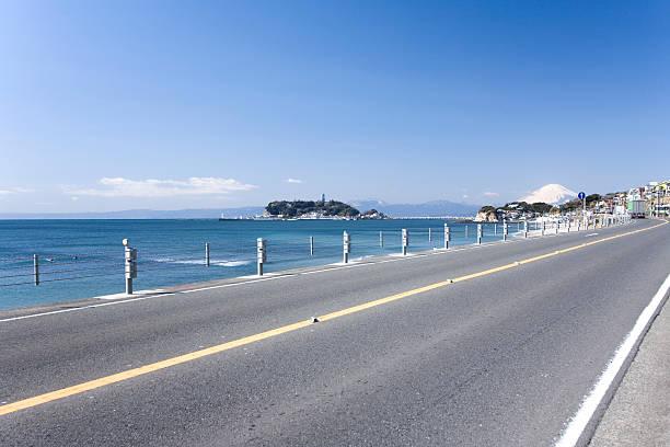 Enoshima Island and Mt. Fuji:スマホ壁紙(壁紙.com)