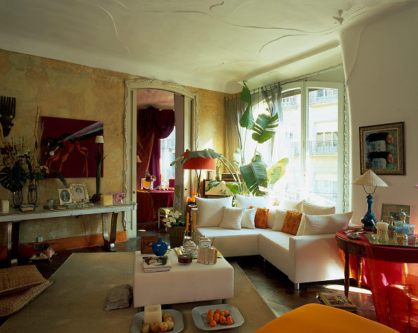 Modern「View of ornaments adorned in a living room」:写真・画像(1)[壁紙.com]