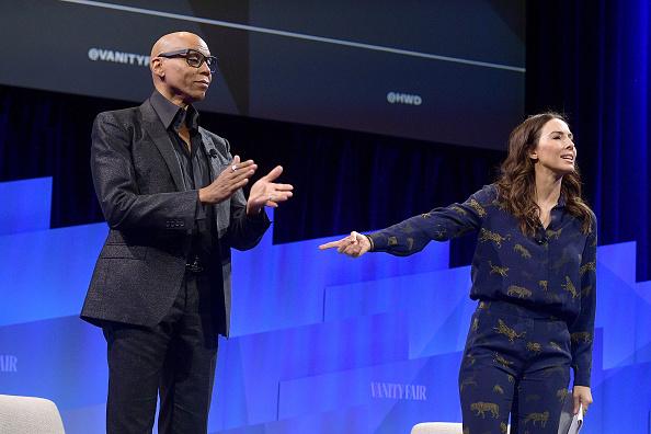 Whitney Cummings「Vanity Fair's 6th Annual New Establishment Summit - Day 1」:写真・画像(7)[壁紙.com]