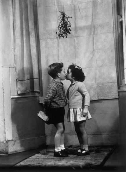 Mistletoe「Mistletoe Kiss」:写真・画像(6)[壁紙.com]