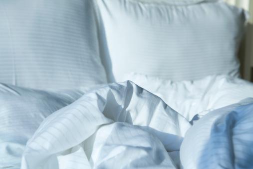 Pillow「Unmade Bed」:スマホ壁紙(4)