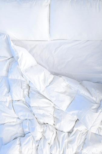 Resting「Unmade bed」:スマホ壁紙(10)