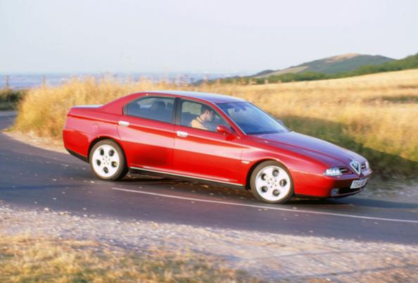 Country Road「1999 Alfa Romeo 166」:写真・画像(4)[壁紙.com]