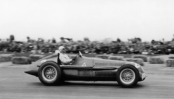 1950~1959年「Alfa Romeo」:写真・画像(16)[壁紙.com]